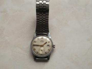 hodinky PRIM  Prodám stylové obdélníkové hodinky mosazného vzhledu. Krásné  designové. Úplně nové. Řetízek hodinek je součástí dodávky 91dc42147f
