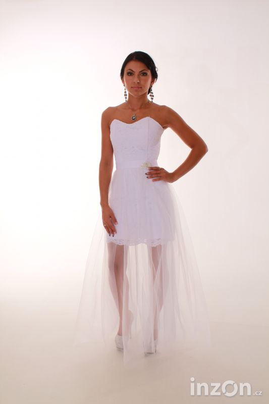 Romantické krajkové šaty  4f1722d0f8
