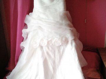 e6a5136d39da Svatební šaty  Predám 70 kusov talianských svadobných šiat za 12 000  eur nákupná cena bola 42 000 eur  a 70 kusov spoločenských šiat za 4 000  eur nákupná…