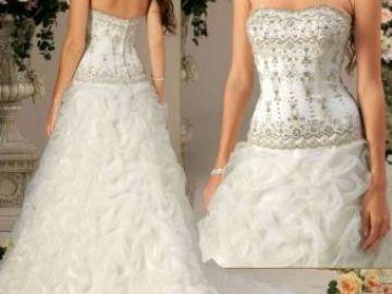 6ed7723169aa Forografie Totálny výpredaj svadobných a spoločenských šiat